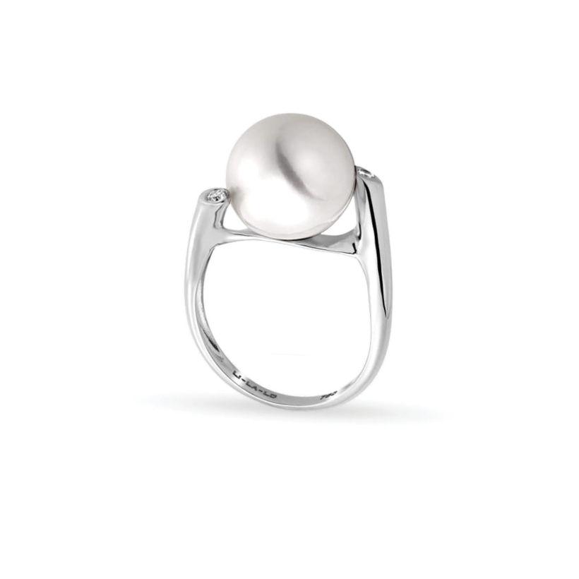 Δαχτυλίδι Pearls από λευκό χρυσό 18K με freshwater pearl και διαμάντια μπριγιάν